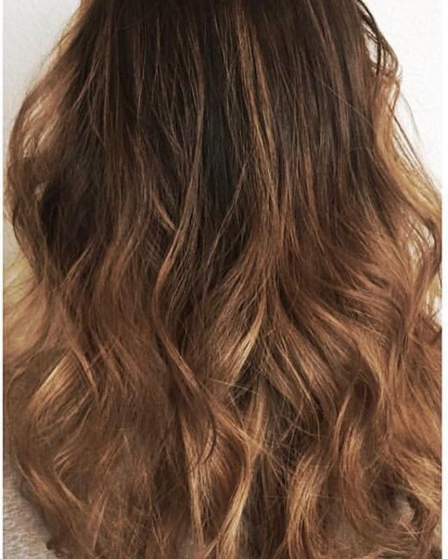 A beautiful #balayage never gets old. ._._._._