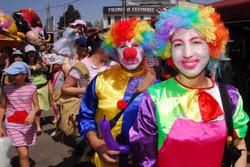 clowns_165563219