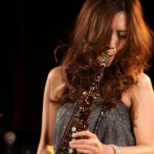 Miho Terachi  Plays WoodStone New Vintage