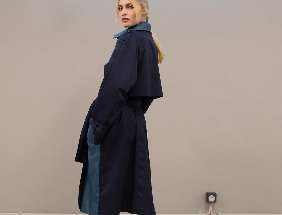Monocle trench coat