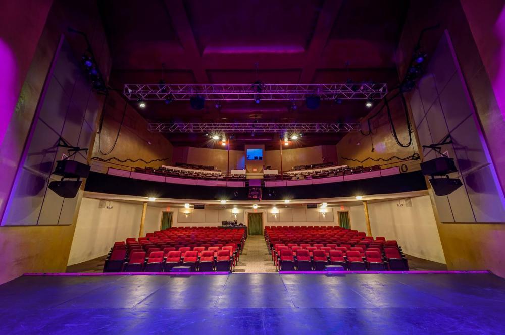 salem theatre-with-lights