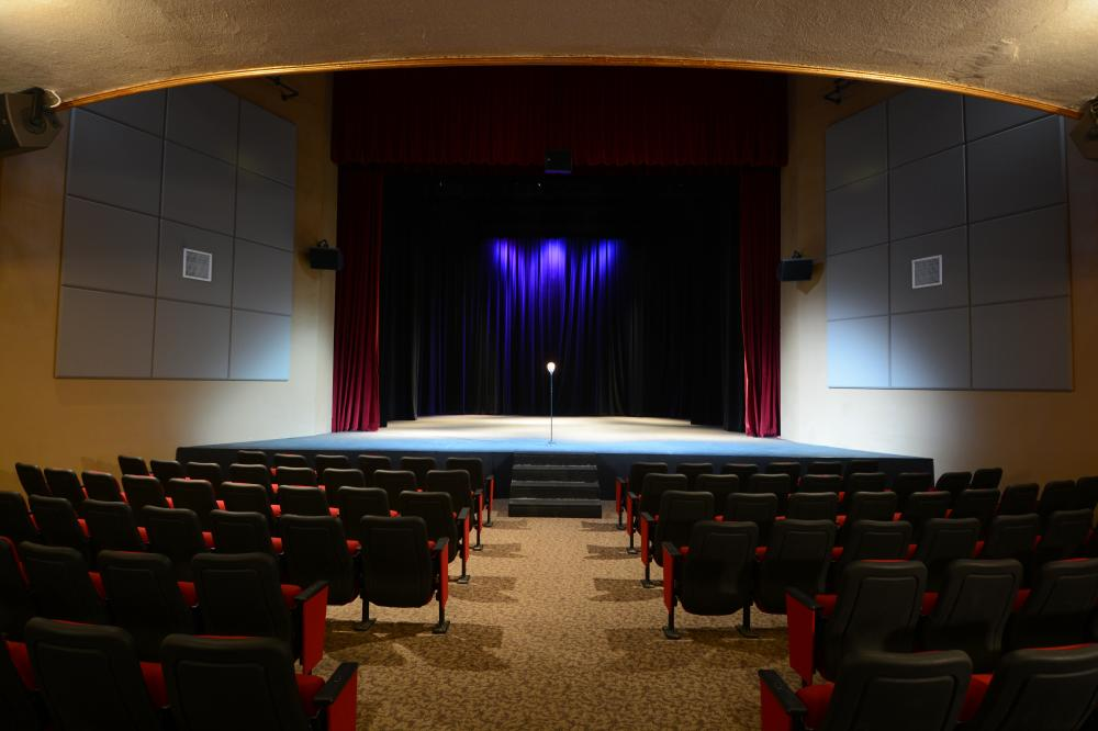 salem grand theater