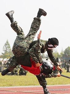 05b Taekwondo Training.jpg