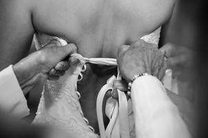 Photo noir et blanc robe mariee Mariage - Studio photo Flash et moi lyon la mulatiere