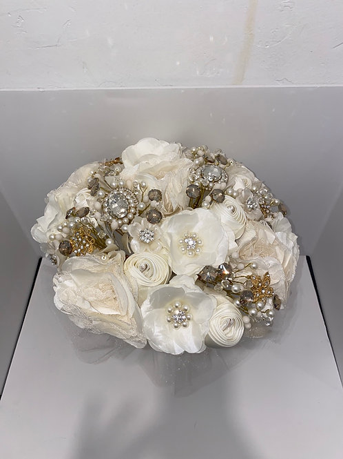 Ivory with Gold LUZ Bouquet