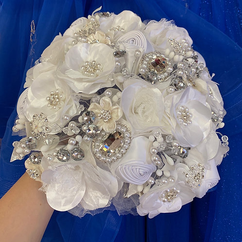 White with Silver Luz Bouquet