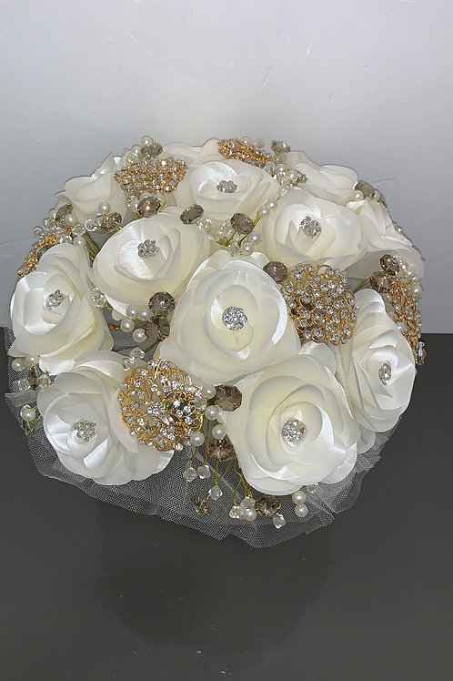 Ivory & Gold Pins Bouquet