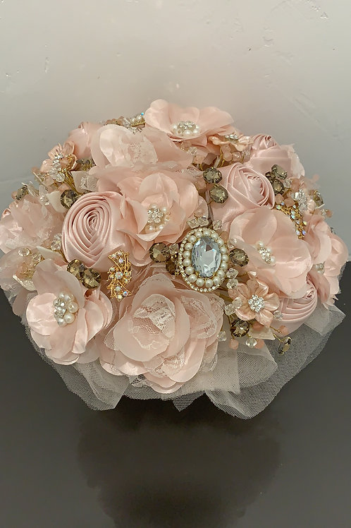 Blush with Gold LUZ Bouquet