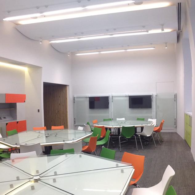Sala de capacitación, Mutual de Seguridad, Stgo. 2010.