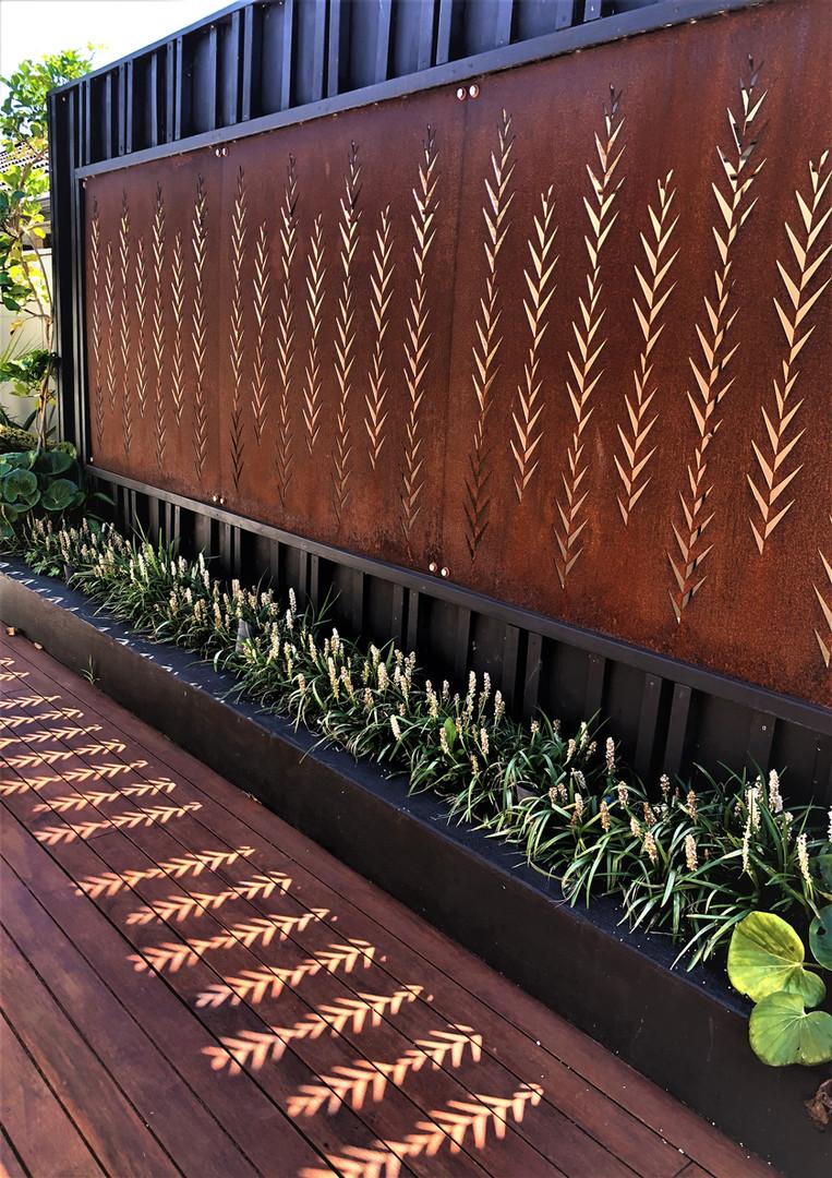 Corten Leaf screens