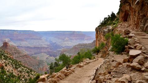 Descending into Grand Canyon