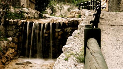 little-waterfall_5084773314_o.jpg