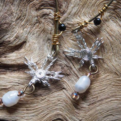 MAPLE LEAF w/ water pearl, onyx