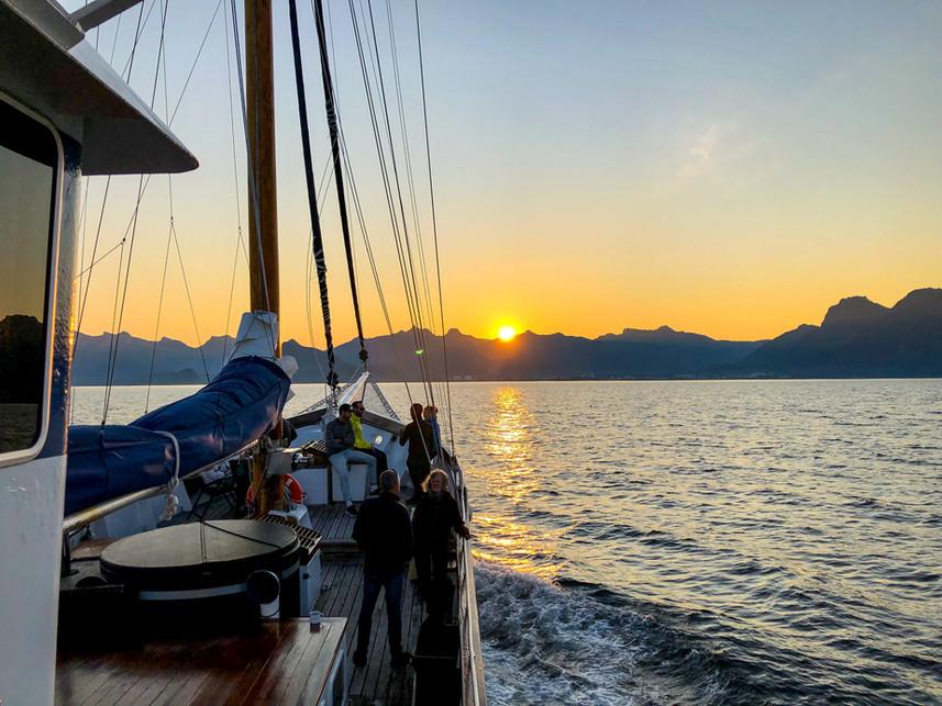 midnight sun summer cruise saiilng yacht stella oceana