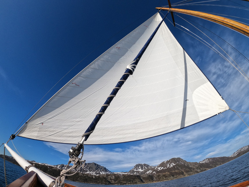 sailing with the wind sailing yacht stella oceana