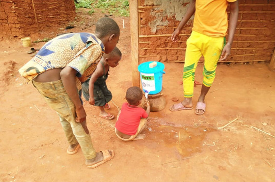 Supporting rural communities at risk of disease transmission Soutenir les communautés rurales à risq
