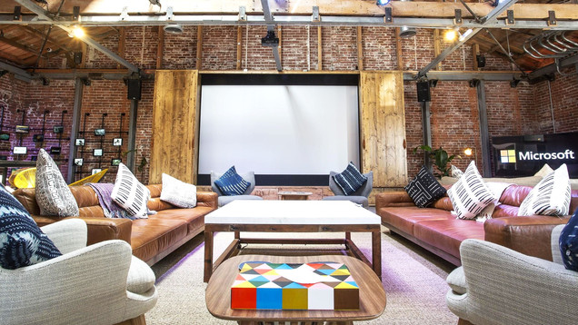 Visionary_Experiential_Creative_Agency_Event_Microsoft Venice Influencer Lounge_2