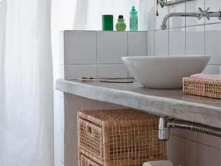 Soluções práticas para banheiro sem armário