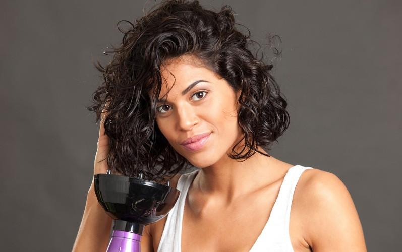 secar cabelo com secador lessfrizz