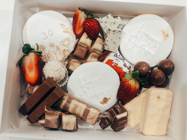 mix desert box.jpg
