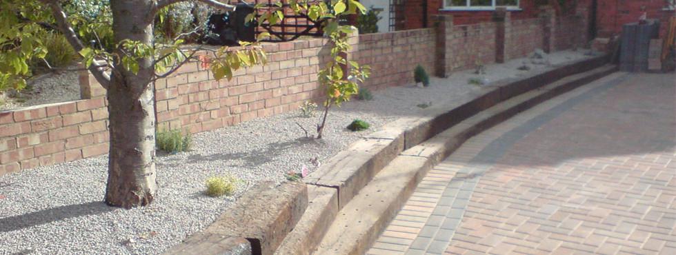 Garden Features Newbury and Thatcham Berkshire