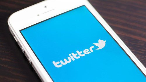 Twitter Considers Pay TV Programming