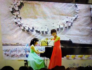 Maple音楽教室、母校での記念演奏会にて(フルート演奏)