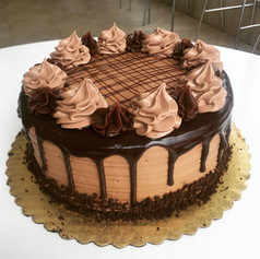 Chocolate - Drip Cake