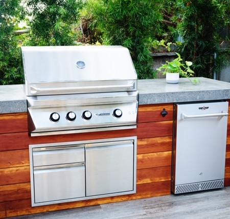 Outdoor BBQ/Kitchen