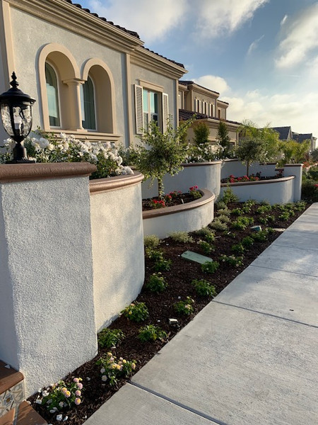 Pavers/Concrete/Retaining Wall