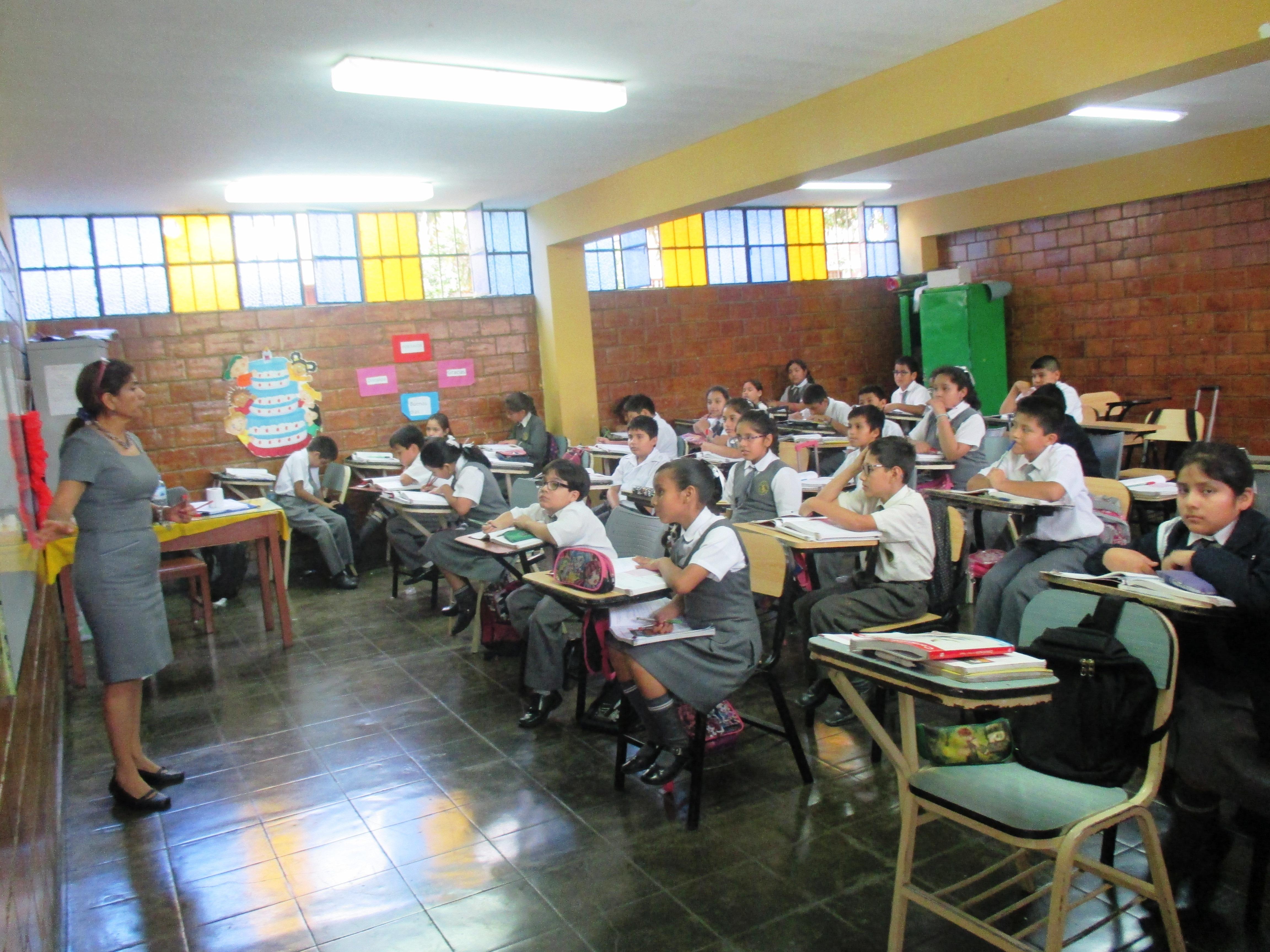 Amplias y ventiladas aulas de clase