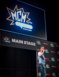 Main Stage panels