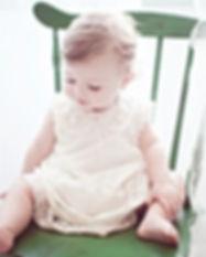 Enfant dans Green Chair