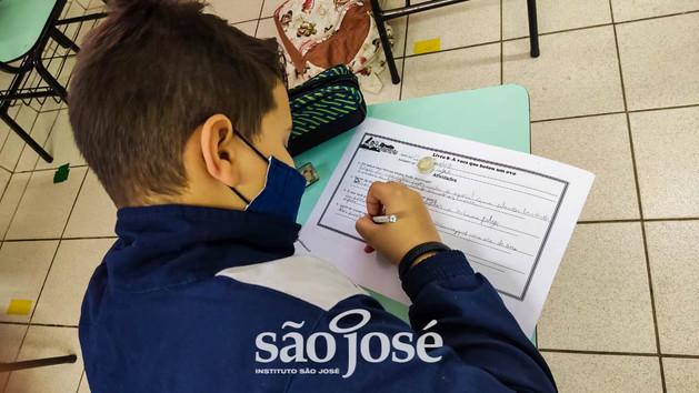 """Projeto """"Circuito Literário"""" instiga estudantes na busca pelo conhecimento!"""