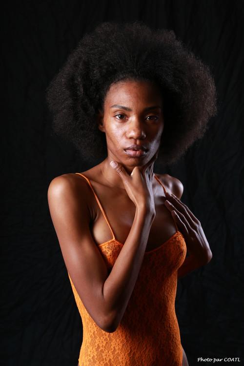 Jessica J, orangée