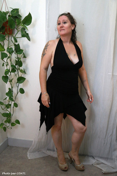 Priscillia en noir