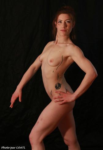 Gabrielle, belle musculature fine