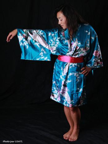 Nova en kimono