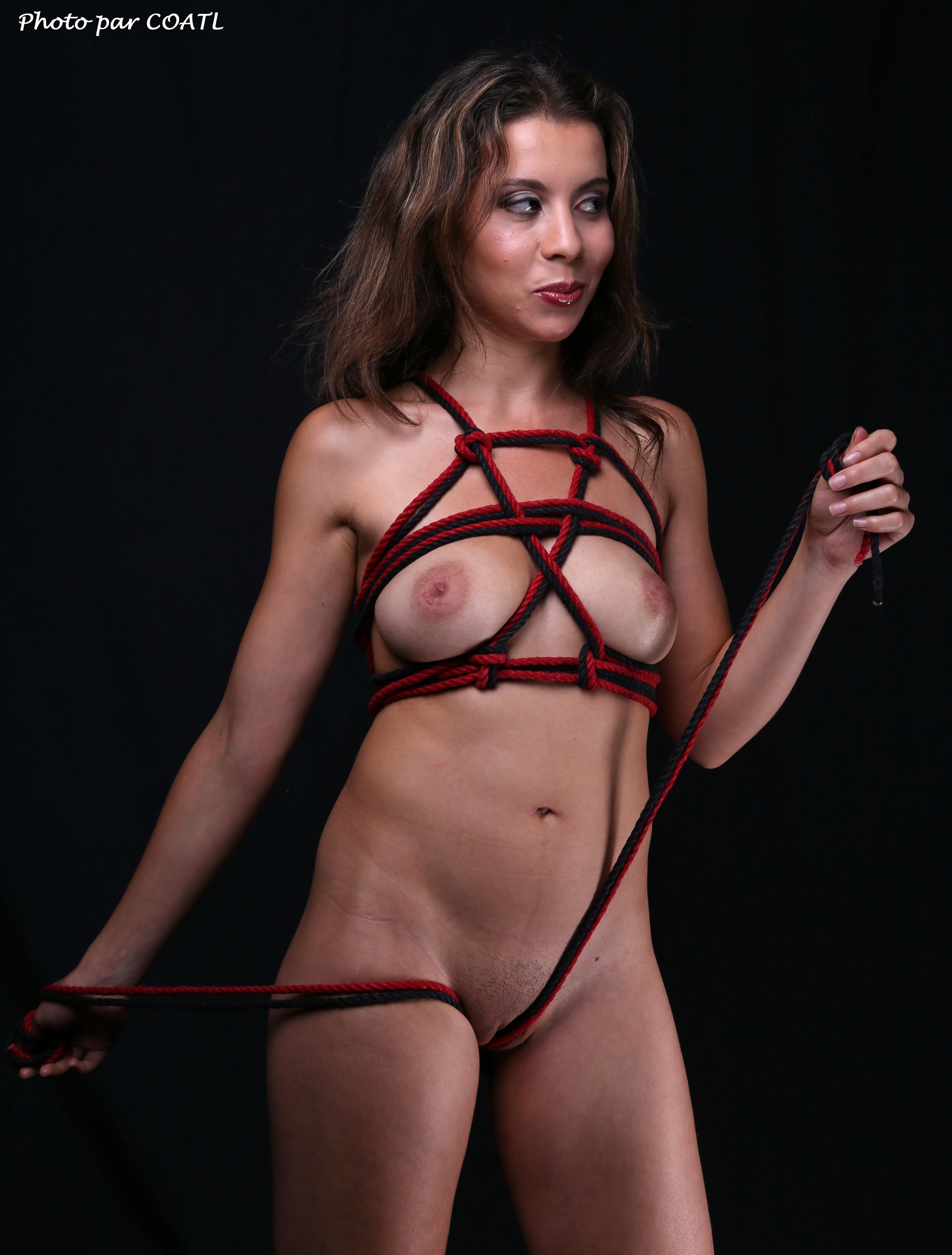 Aspasie en rouge & noir 5