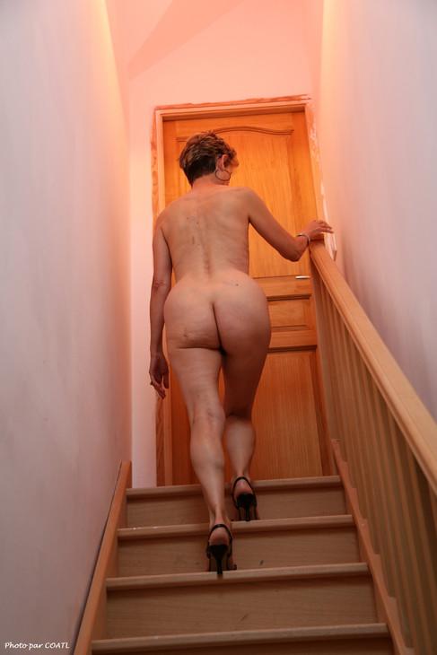 Lory monte l'escalier