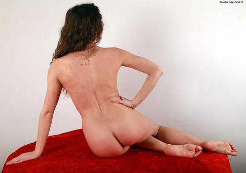 Juliya voit rouge