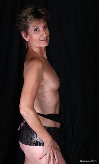 Lory, topless