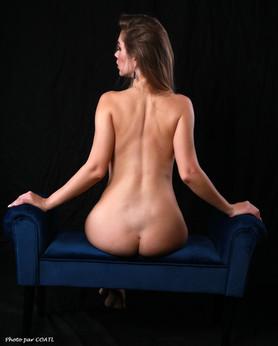 Marianne Valverde sur le divan