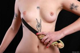Sofia Loria et le poignard