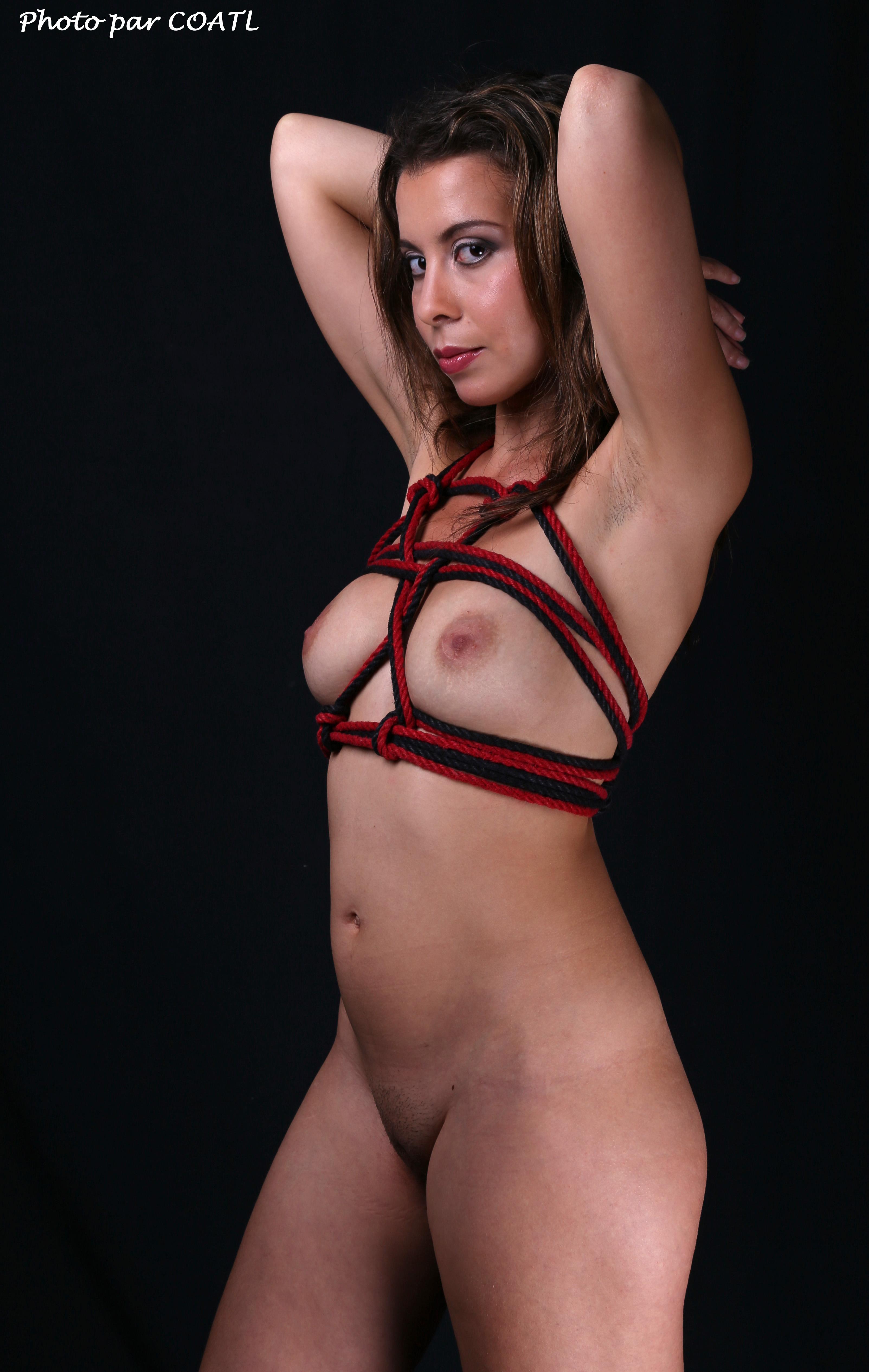 Aspasie en rouge & noir 4