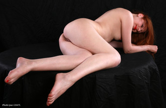 Nicole May, nue érotique
