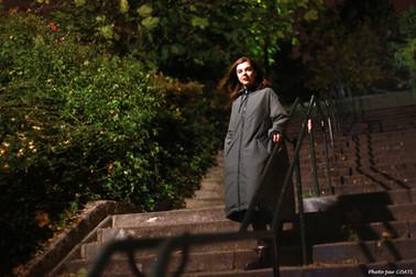 Dakota à l'escalier