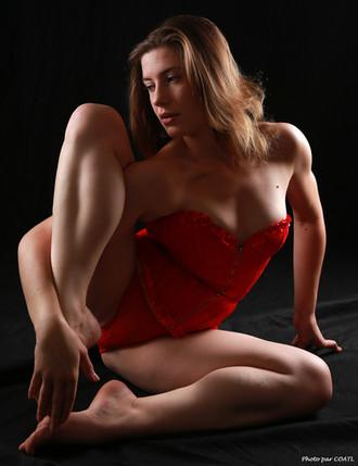 Gabrielle en rouge
