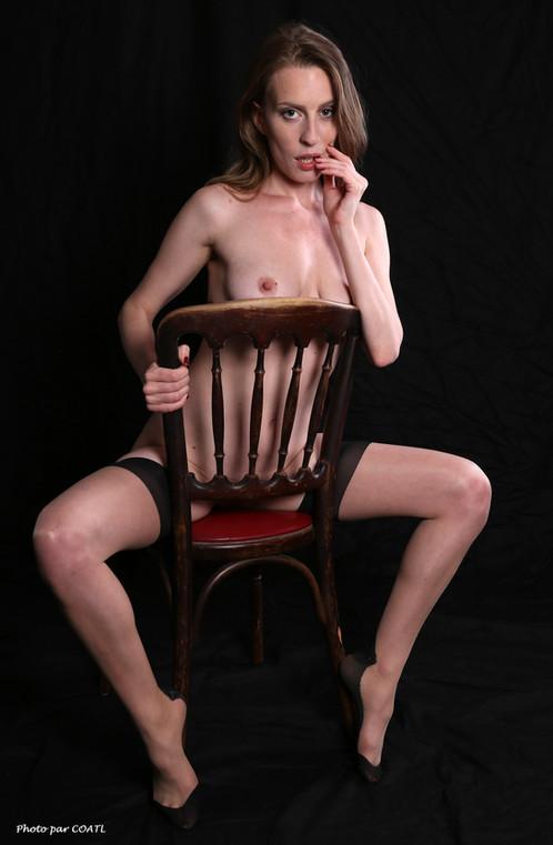 Sloane assise