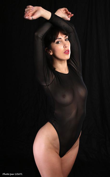 Lily en transparence noire